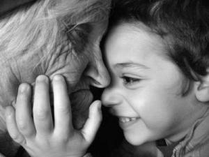 abuela y nieto pasado y futuro